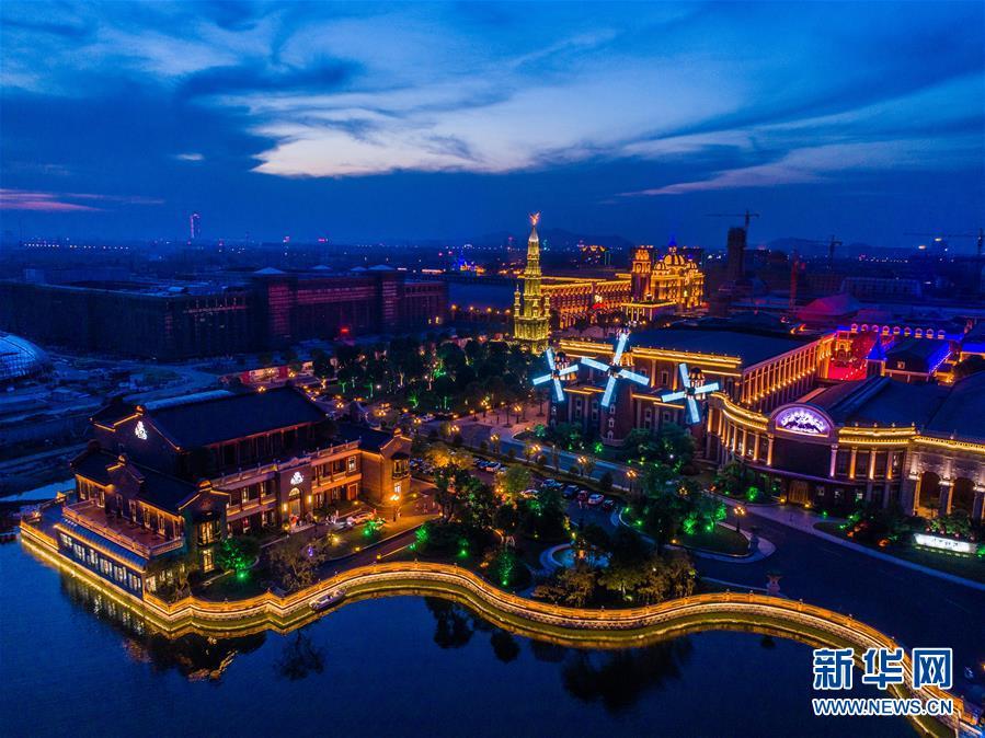 图:俯瞰江苏省江阴市新桥镇飞马水城